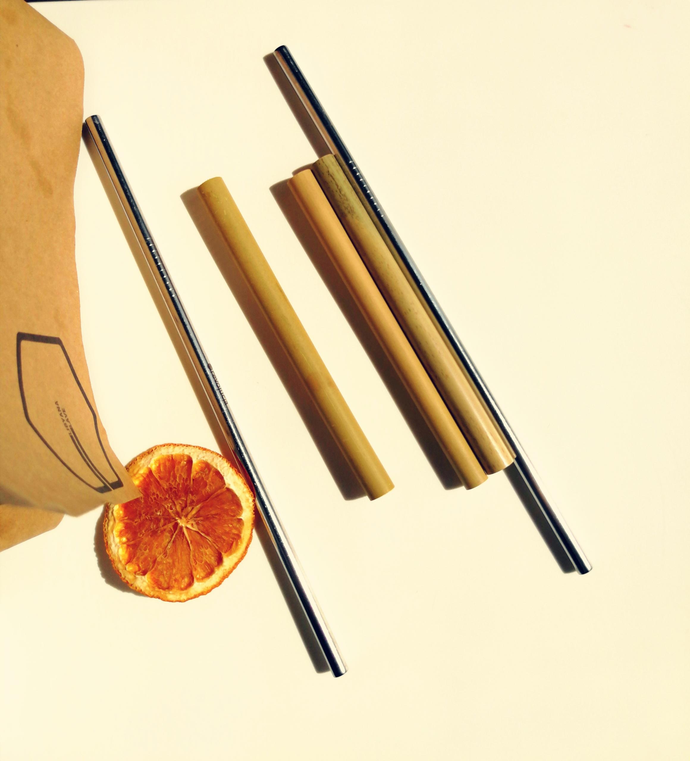 метални и бамбукови сламки от Светът на Гери